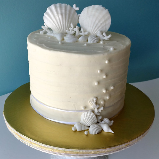 Shells and Pearls Small Wedding cake.jpg