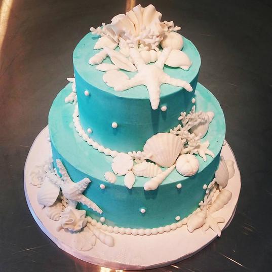 Seashell Turq Wedding CAke.jpg
