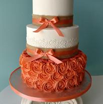 Burlap and Peach Cake.jpg