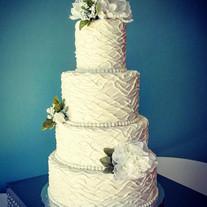 Buttercream Wiggle cake.jpg