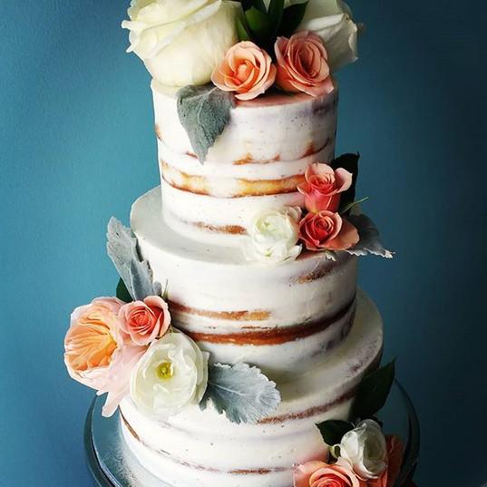 Naked Wedding Cake_#nakedcake #nakedwedd