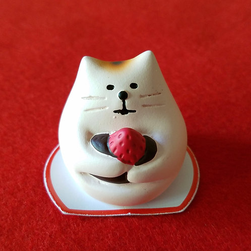 Mochi neko_strawberry daifuku mochi cat
