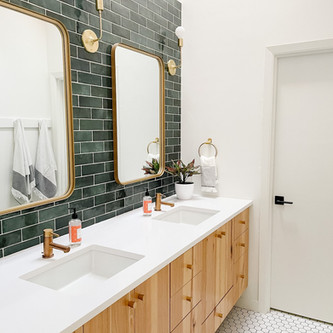 Before and After: Renovating My 1979 Childhood Bathroom