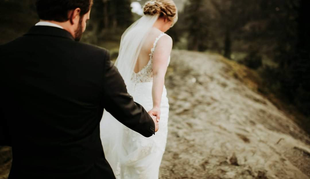 Seattle Bride with Beautiful Designer Wedding Dress and Veil