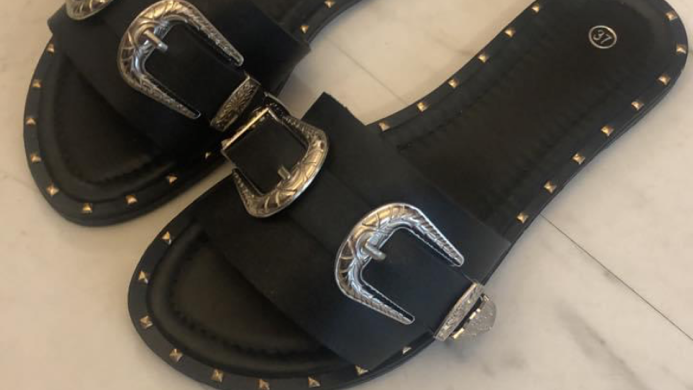 Black buckle sliders