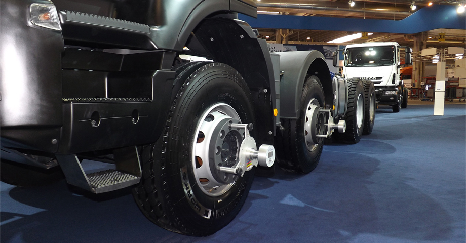 teknel iveco wheel alignment system truck.jpg
