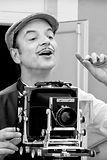 Photographe, image en noir et blanc pour le spectacle de Java et toi ?