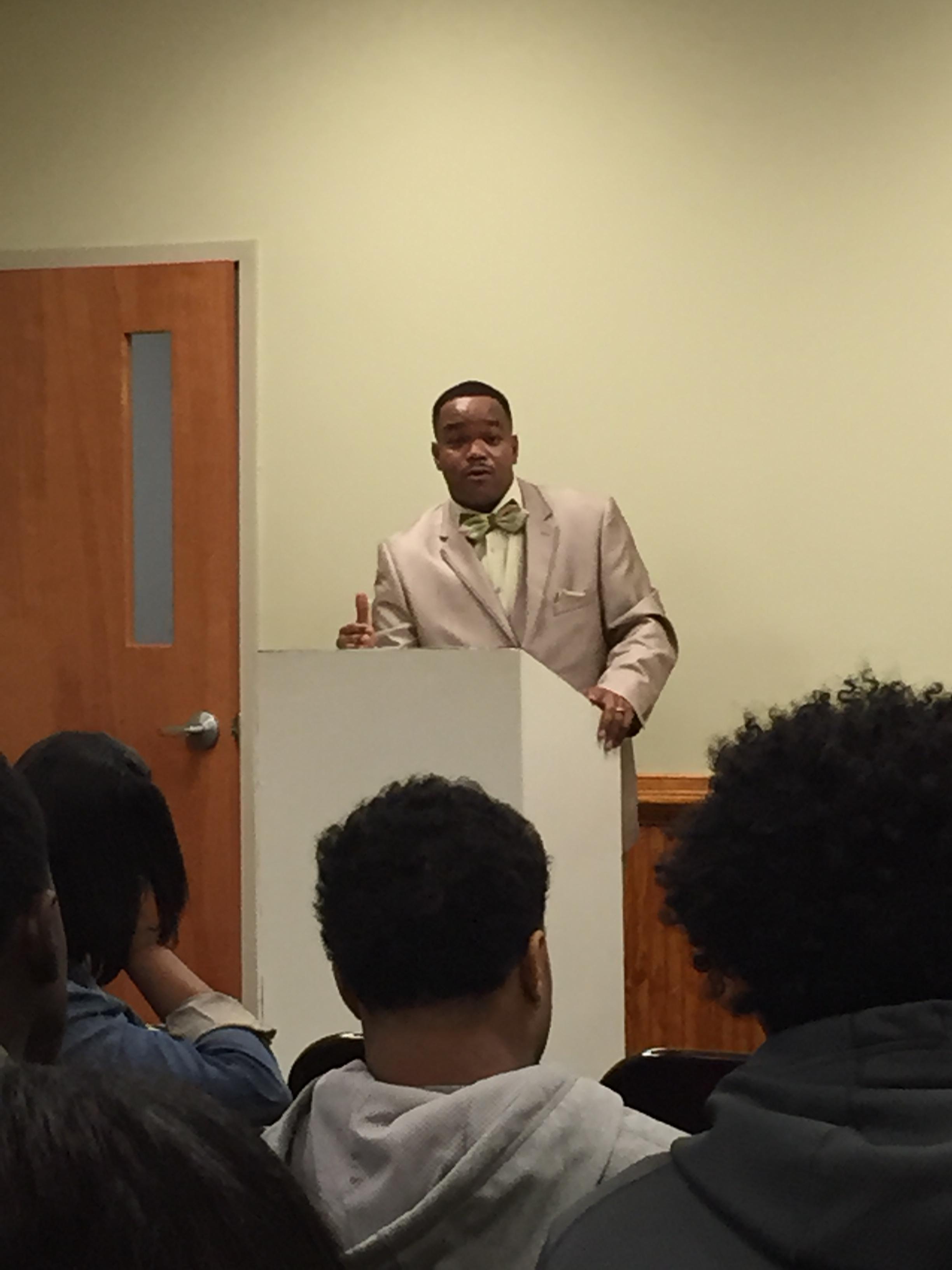 Deputy Dotton Speaks to the Youth