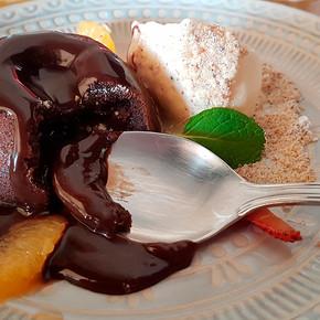 Petit Gateau Armênio (Nutella) com sorvete de Vanilla  .28