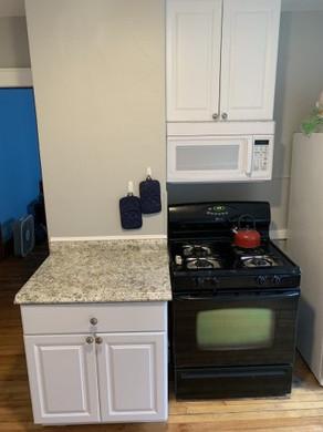 825 Ackerman kitchen 2.jpg
