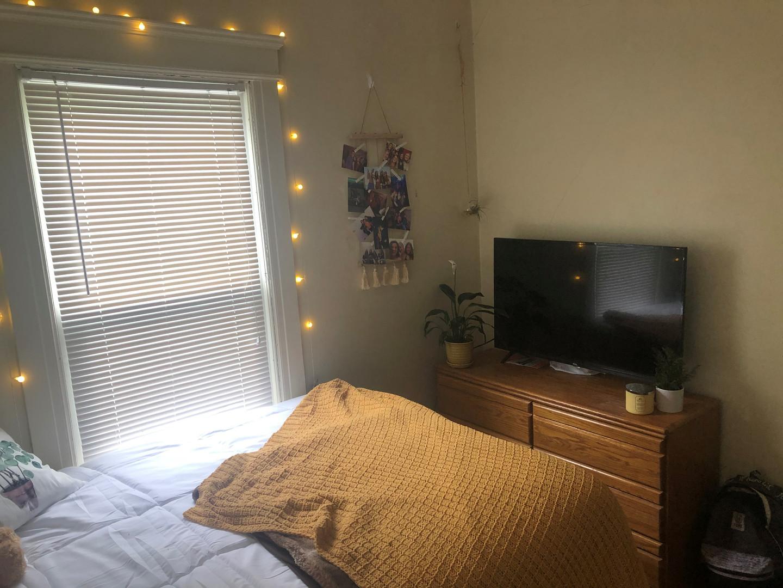 135 Red Bedroom 1.jpg
