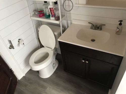 823 Ackerman Bathroom.jpg