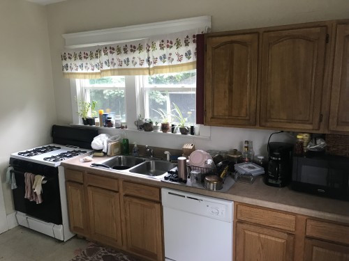 148 Kitchen 1.jpg