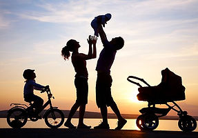 happy-family-silhouette-500.jpg