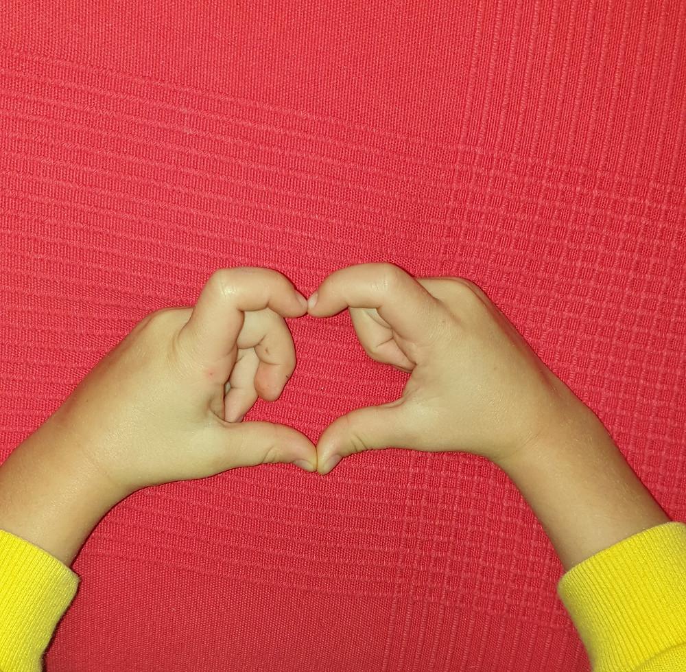 heart hands Mattia