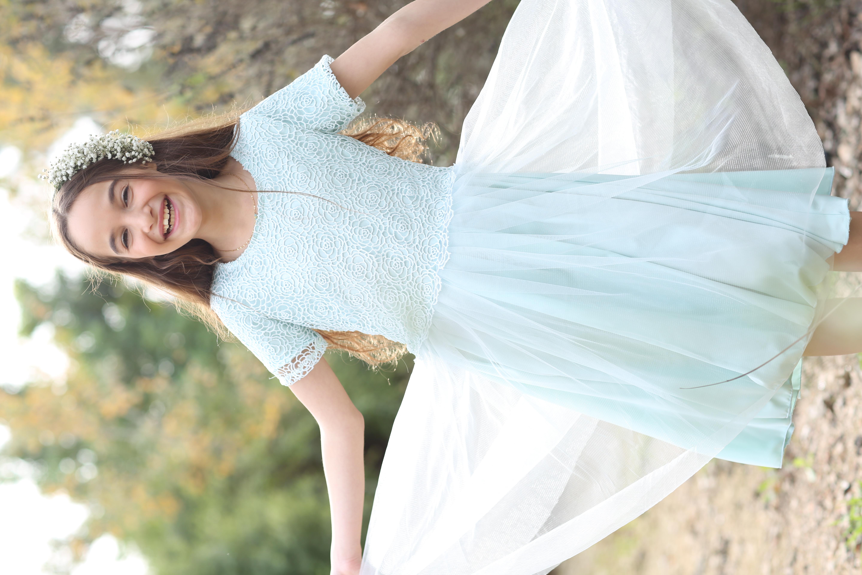 שמלת תכלת תחרת גיפור וטול