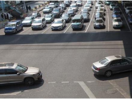 上海交通策|专家:完善公交和人行系统,让市民自愿放弃开车