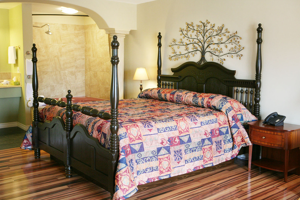 Four-Poster Queen Bed