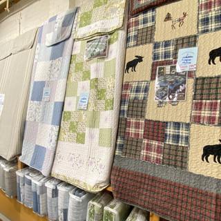 Linens-Blankets-Pillows-Southampton-23.j