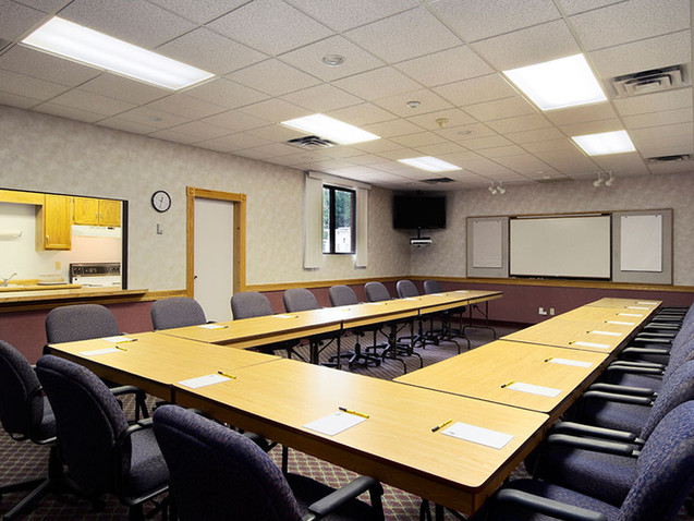 Hotel in Port Elgin With Conference Room