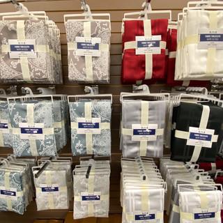Linens-Blankets-Pillows-Southampton-11.j