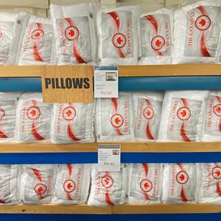 Linens-Blankets-Pillows-Southampton-42.j