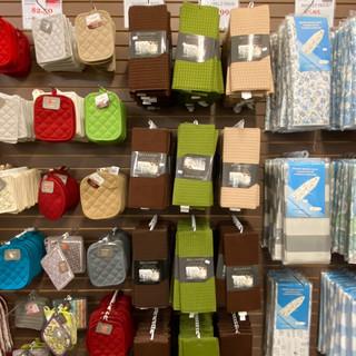 Linens-Blankets-Pillows-Southampton-09.j