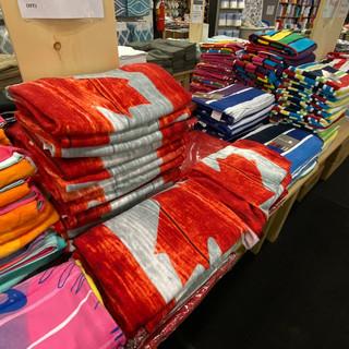 Linens-Blankets-Pillows-Southampton-30.j