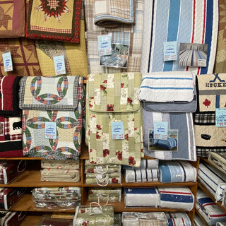 Linens-Blankets-Pillows-Southampton-19.j