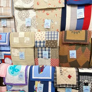 Linens-Blankets-Pillows-Southampton-22.j