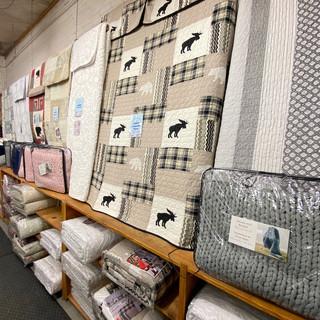 Linens-Blankets-Pillows-Southampton-20.j