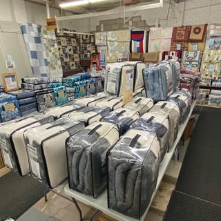 Linens-Blankets-Pillows-Southampton-04.j