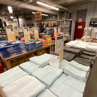 Linens-Blankets-Pillows-Southampton-25.j