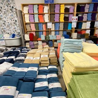 Linens-Blankets-Pillows-Southampton-37.j
