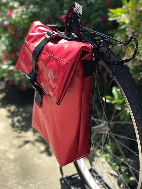 Racing Red Pannier