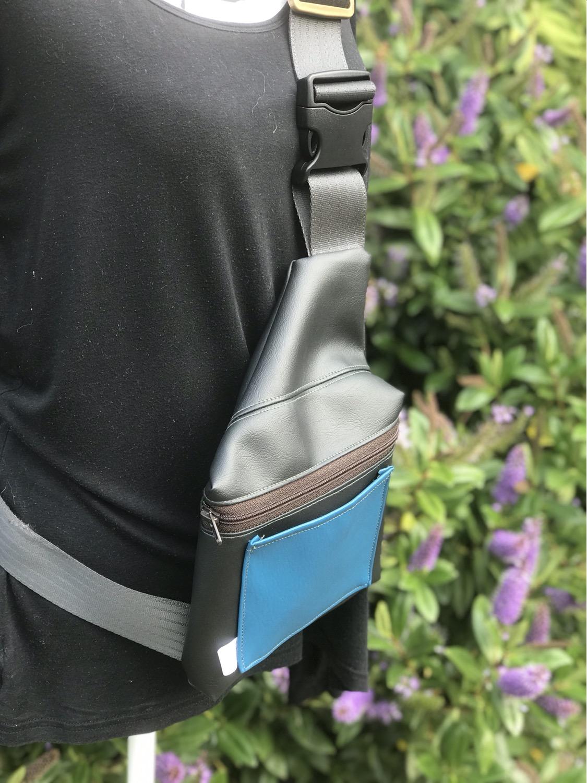 Thumbnail: Peacock Blue - Sling Bag