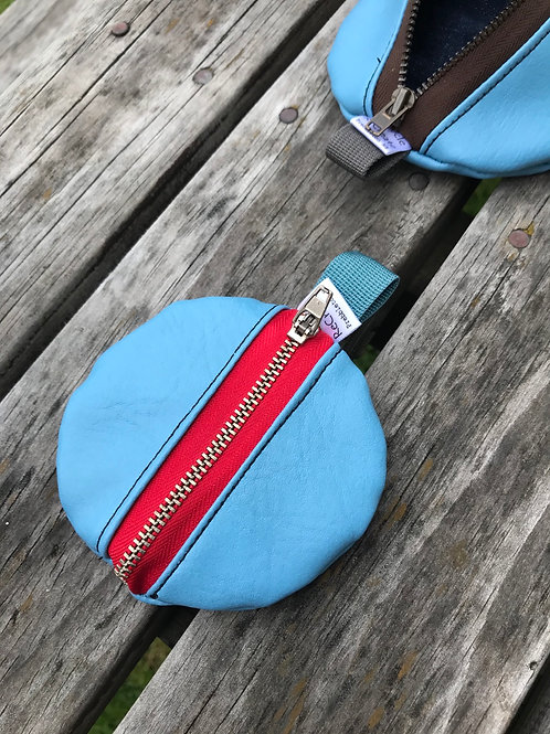 Hear we go - Blue/floral pouch