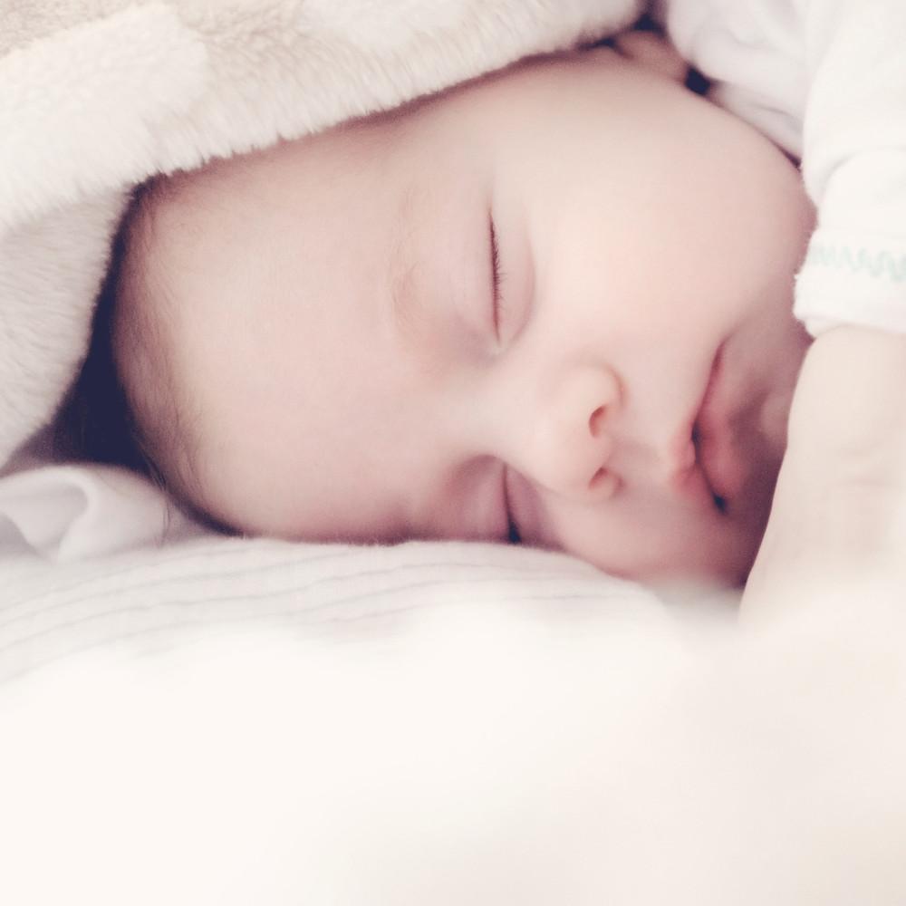 KOJALA blog_kendőben alvó baba