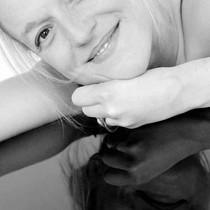 ANNE SIMMERING – Sängerin