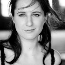MICHAELA KLAMMINGER – Schauspielerin