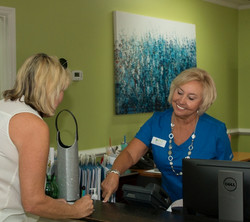 FIT-staff-Sally-Musgrove-medical-weight-loss-front-desk (2)