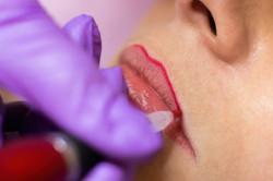 53722009_s-allexxandar-permanent-lips