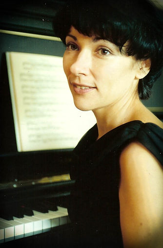 Gala Gurinovich - Pianist, piano teacher, concert performer