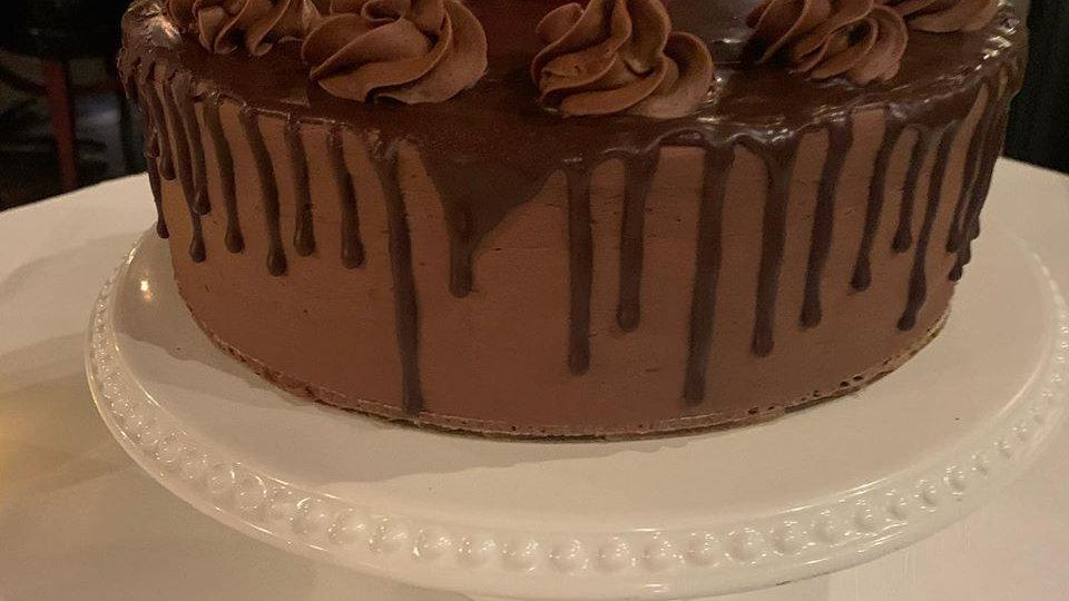 Custom Birthday Cake (Feeds 10-12)