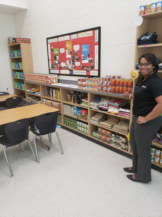 On the Frontline! CIS of Atlanta Site Coordinator Created Food Pantry for School Community