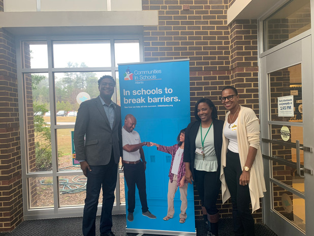 BET Network Executive Visits CIS of Atlanta School