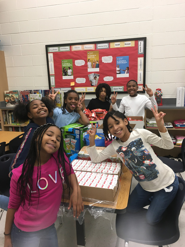 Youth Leaders Give Back to Their Community