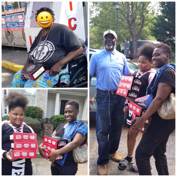 Site Coordinator Delivers Lunch to Decatur Families