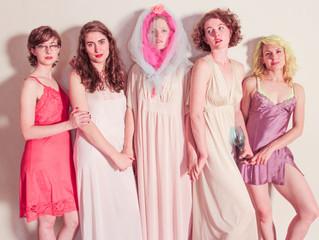 WARM WOMEN ON TOUR