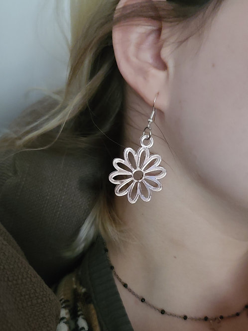 Acrylic Daisy Earrings